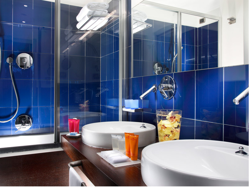 Blu Bathroom at the Hotel Art Rome
